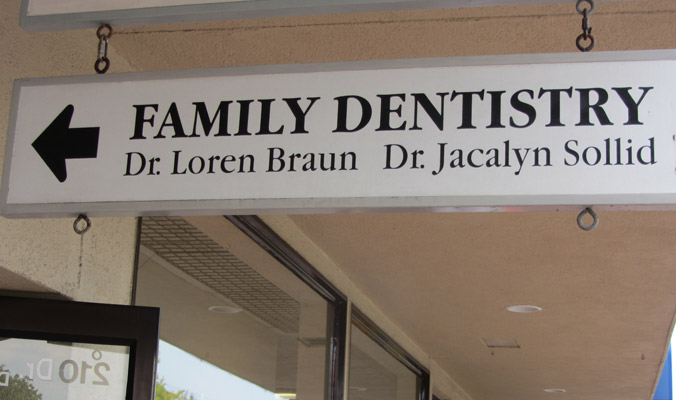 Family Dentistry sign